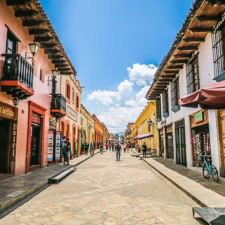 37 imágenes que demuestran que en México tenemos una obsesión por el color - Matador Español