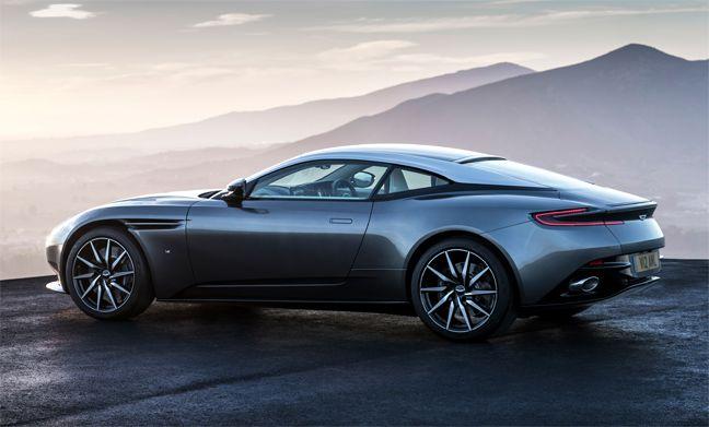 Aston Martin DB 11 : Tout simplement magnifique !  Plus de découvertes sur Le Blog des Tendances.fr #tendance #voiture #bateau #blogueur