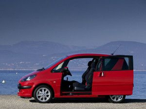 Peugeot 1007 Red