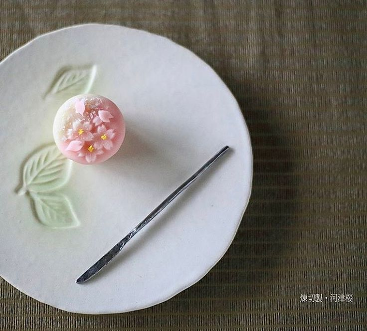 """973 mentions J'aime, 18 commentaires - Kyoko(京子) (@mikeranalove) sur Instagram: """". Today, I made japanese confectionery NERIKIRI which express spring flower SAKURA…"""""""