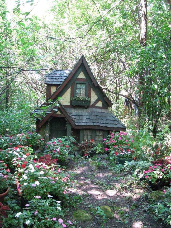 I adore this little cottage in the woods! This would be my little dream house!                                                                                                                                                                                 More