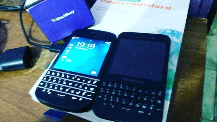 #inst10 #ReGram @wagnerlimaum: -- se há uma palavra que explique isso essa palavra é : amor Amor à BlackBerry BlackBerry Q10 e BlackBerry Q5 Lado a lado! #BlackberryQ5 #BlackberryQ10 #Blackberry #ResearchInMotion #RIM #BlackBerryClubs #BlackBerryPhotos #BBer #BlackBerryQ10 #Q10 #QWERTY #Keyboard