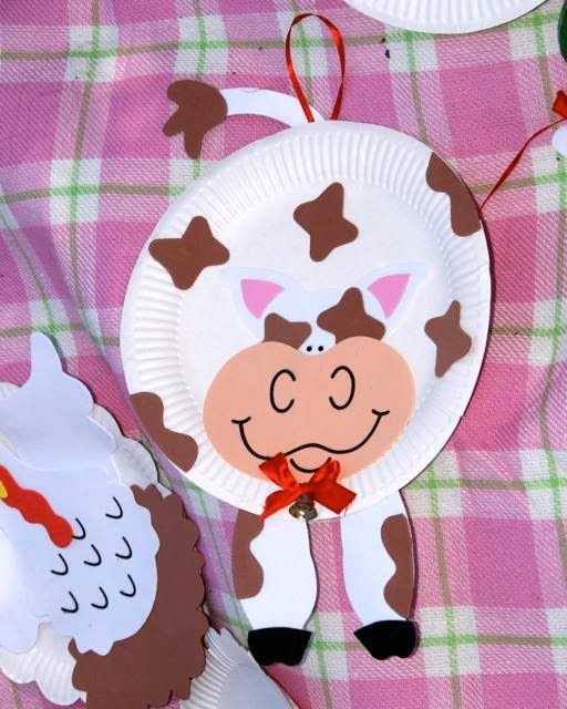 A Little Loveliness: Caitlin's Birthday Down on the Farm - like the paper plate crafts and part favors