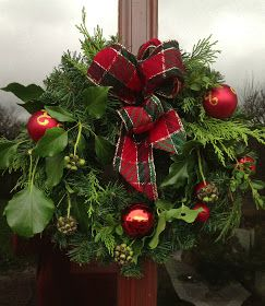 The easiest way to make a live wreath - Stone Gable