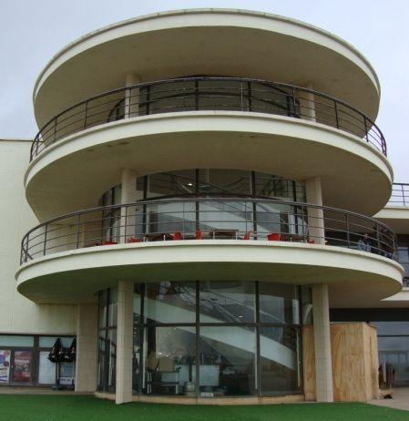 Bexhill On Sea - Vintage English Seaside resorts. Modernism - The De La Warr Pavilion.