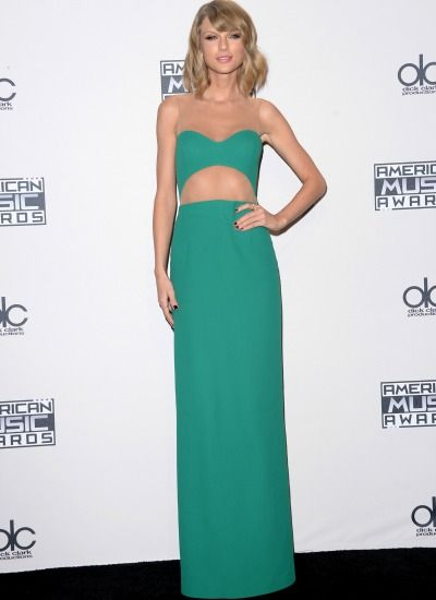 Taylor Swift's simple, sage green, cutout gown at the 2014 AMAs is blowing my mind.