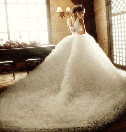 Huge fuzzy wedding gown it could be like a fluffy rug for Fluffy skirt under wedding dress