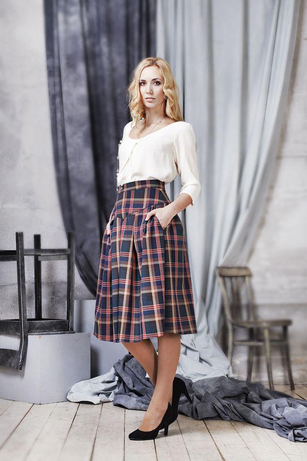 Так полюбившаяся нашим покупателям модель юбки Жаклин, теперь представлена в английской клетке! Цена 5900, размеры 40-50 заказать 89163020222 На сайте http://www.fedorastudio.ru/shop/bag/card/ru.5770.htm