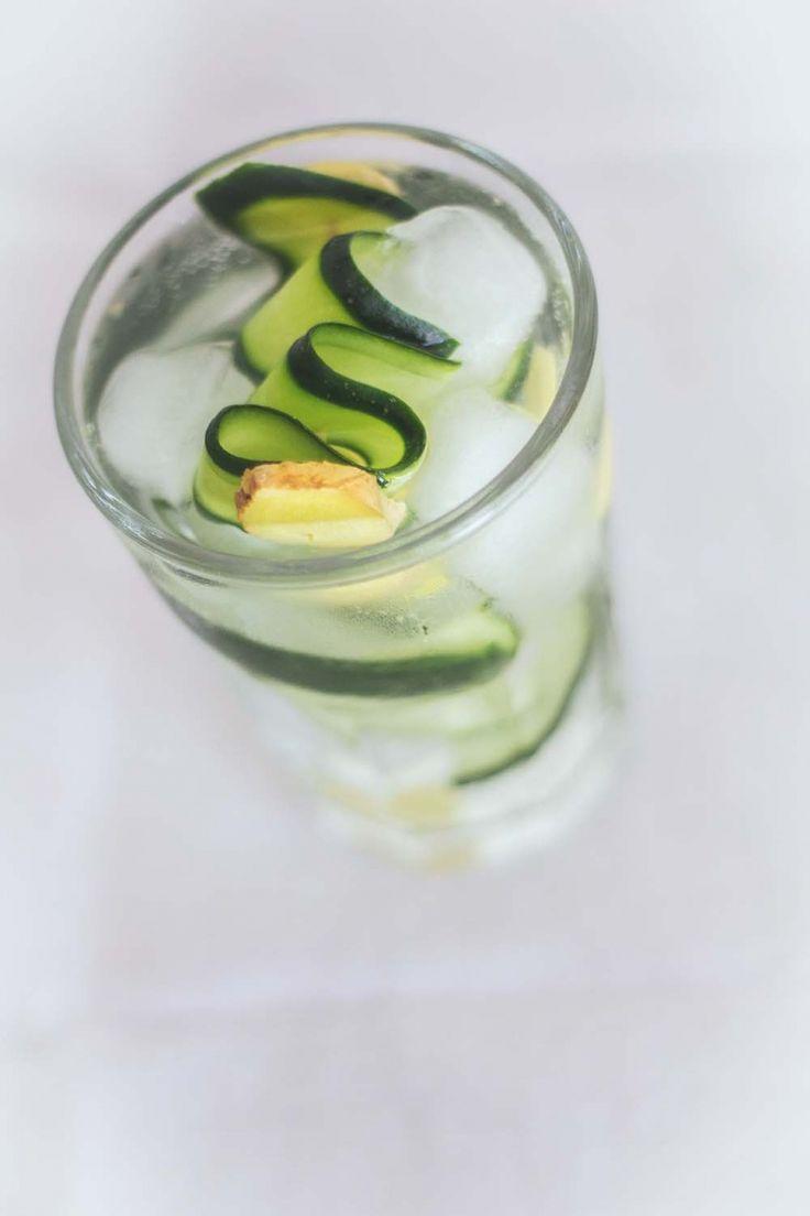 Bevanda detox purificatrice e sciogli grasso al cetriolo zenzero e limone