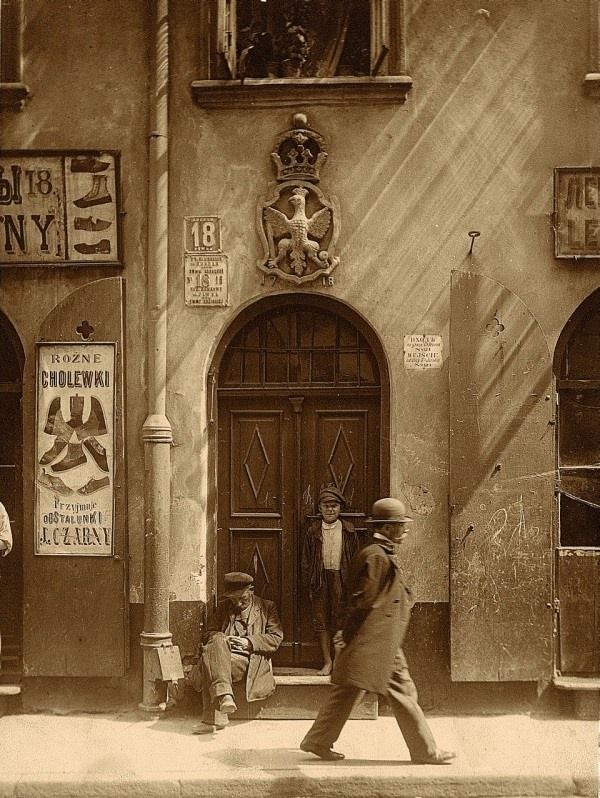 Warszawa - Kamienica Metrykantów Koronnych, ul. Piwna 18, fot. Stanisław Nofok - Sowiński (1915)