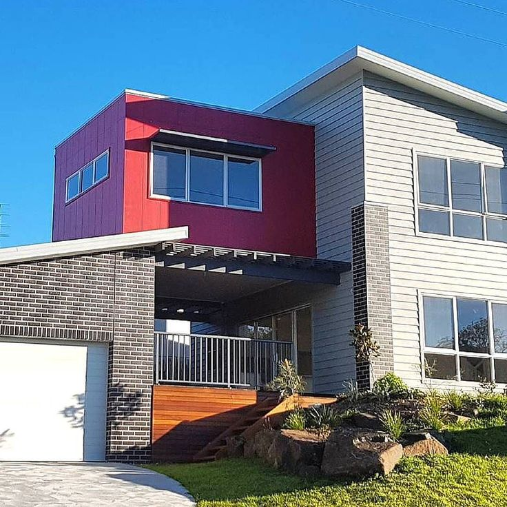 Taking mixed facades to a new level by @southcoastdrafting with vertical red Scyon Stria and white Linea contrasted with timber and brick. See more design ideas here: http://scyon.com.au/design-ideas