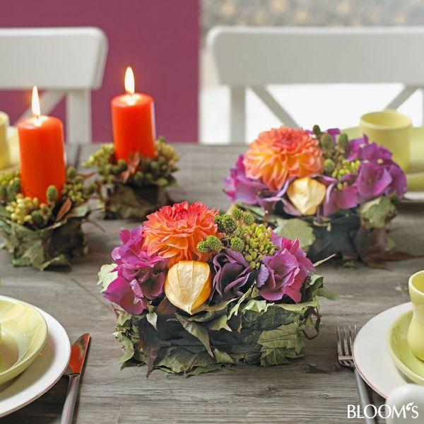 Herbstlicher Tischschmuck: Gesteck mit Blattmanschette ...
