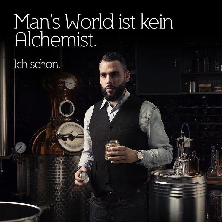Oscar Martin, Miterfinder von @turicum_gin und Aussteller. Foto @sandrobaeblerphotographer #mansworldapproved #mansworldcom #gentleman #zurich #turicum @punktmagazin @dmax_tv  @mini