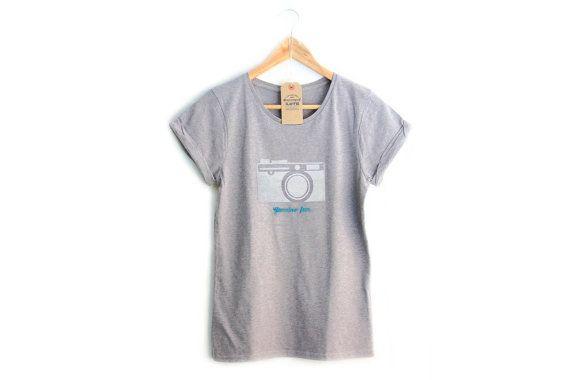 Genuine FUN / CAMERA / t-shirt per donna, maniche arrotolate, grigia
