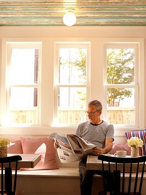 Hope & Union coffee shop in Charleston, SC - It's like a breakfast room!