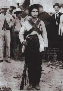 La valentina Valentina Ramírez Avitia nació en 1893 en un caserío cerca de Tamazula, Durango. Se integró a las filas revolucionarias para acompañar a su papá. Continuó en la lucha vestida de hombre, llevando consigo una carabina 30-30, cartucheras en el pecho y un sombrero de palma con una cinta tricolor que ocultaba sus trenzas. Se unió a las fuerzas maderistas. Destacó en la toma de la plaza de Culiacán en 1911 logrando el grado de teniente. Murió a los 113 años en California.