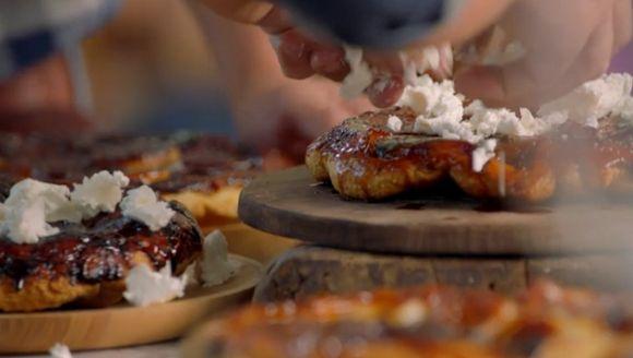 Jamie+Oliver+Onion+tarte+tatin+recipe+on+Jamie+and+Jimmy's+Friday+Night+Feas