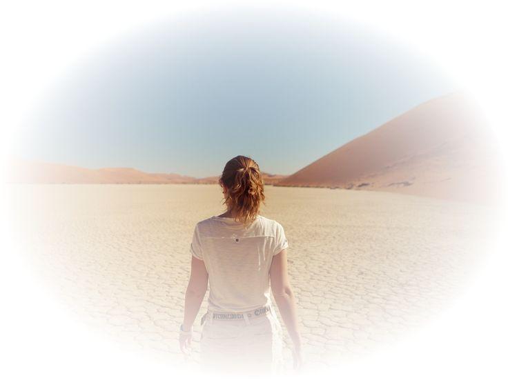 💡 Глубина медитации.  Известно ли вам, что медитация может быть поверхностной и глубокой? Что это означает? Это означает, что медитация проходит в различных состояниях нашего мозга. В состоянии бодрствования активность происходящих в нашем мозгу процессов высока, мы подвижны, обращаем внимание на любые раздражители и решаем повседневные задачи. Во время засыпания, или же релаксации, мозговая активность замедляется, и это самое удобное состояние для медитации. И чем сильнее замедлена…