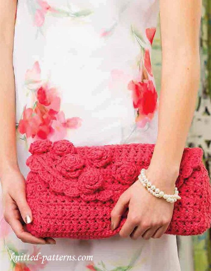 Chic Floral Clutch - free crochet pattern at knitted-patterns.com