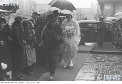 Ślub hrabiego Kazimierza Mycielskiego z hrabianką Różą Potocką u dominikanów w Krakowie. 25 stycznia 1939 r. #dominikanie #kraków #ślub #hrabia #hrabianka #potocka #mycielski