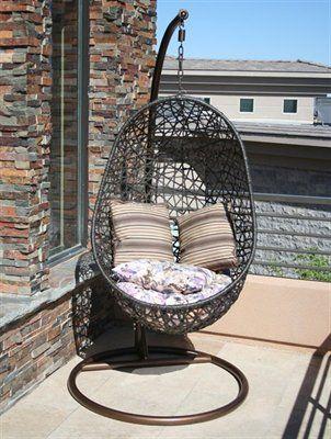 Cute lounge chair!