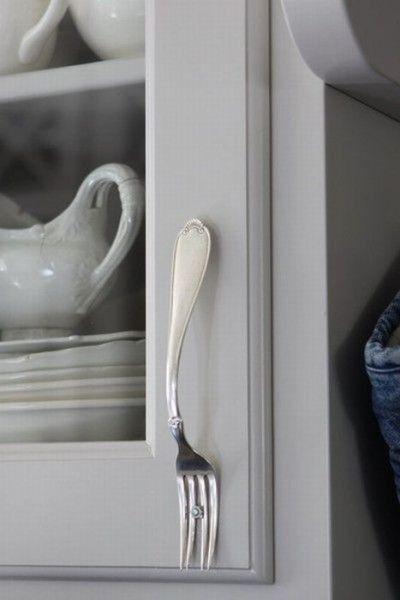 Kitchen cabinet handles from vintage forks ~ hmmm