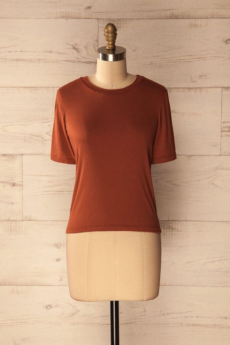 Apikia - Burnt orange ribbed t-shirt  www.1861.ca
