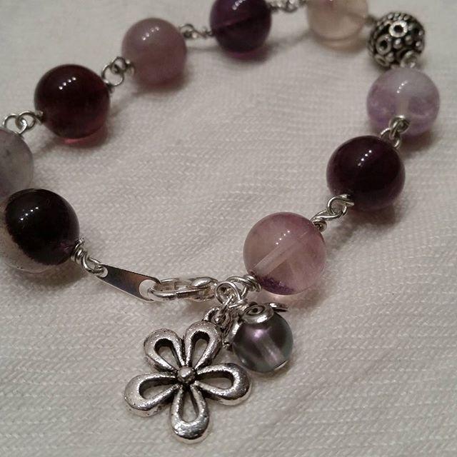 Pysslat lite ikväll #handgjordasmycken #smyckestillverkning #smycken #handmadejewelry #beads #pärlor
