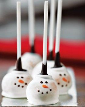 Brownie / cake pops decorating idea - snowmen | Williams-Sonoma via GlamNest