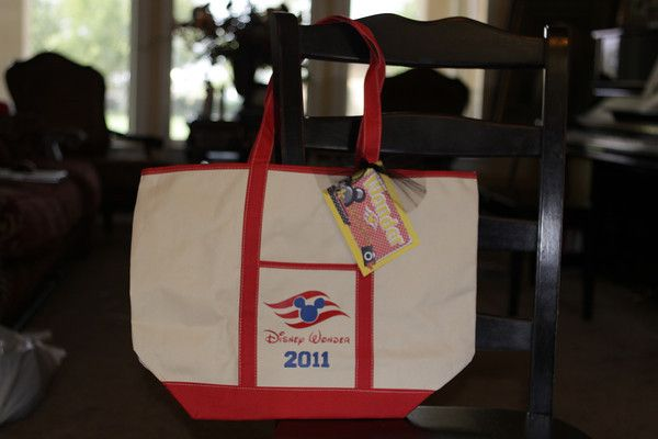 Tote bags from dollar store with iron on vinyl. Tons of ideas on this link!