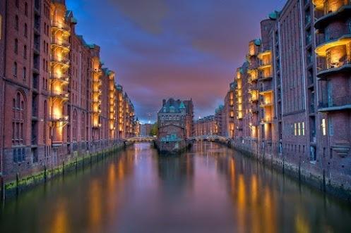 Дом на воде, Гамбург, Германия