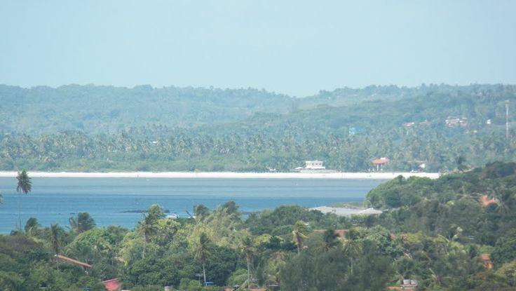 Praia de Pontas de Pedras, com vista para Itamaracá.