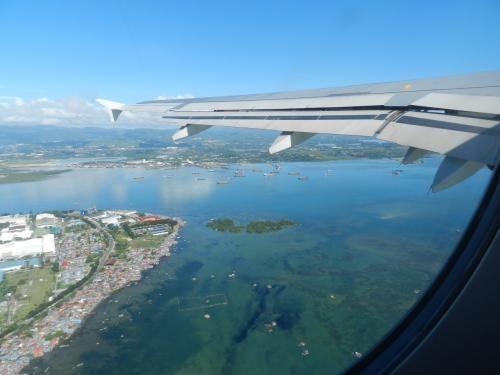 年末年始のマニラ&セブ島の旅も帰国しないといけない時間となりました。<br />元旦の朝にホテルを出て、セブ空港~マニラ空港~成田空港と乗り継いで帰ります。<br /><br />セブ8:55→10:10マニラ PR2846<br />マニラ14:50→20:00成田 JL742<br /><br />※ダイジェスト版旅行記はこちら→http://4travel.jp/travelogue/10968567