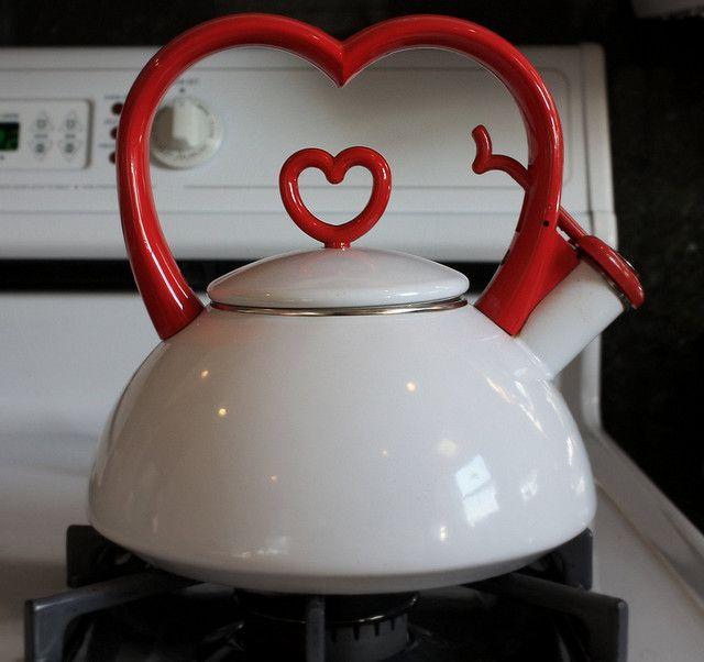 <3: Teacups Nails, Teas Time, Teas Cups, Teas Pots, Valentines Day, Queen Of Heart, Red Heart, Cute Teapots, Teas Kettles