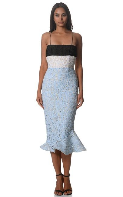 Wow, what a stunner! Blue Black White Edwina Dress by Alex Perry was $1300 and is now down to $390 at Ozsale. Don't miss out on this great sale!