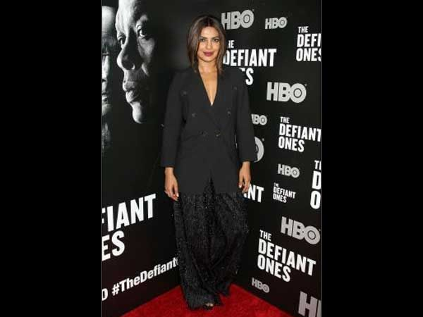Have A Glance At +Priyanka Chopra's Hotshot Classy Look At The Premiere Of #TheDefiantOnes #fashion #Bollywood