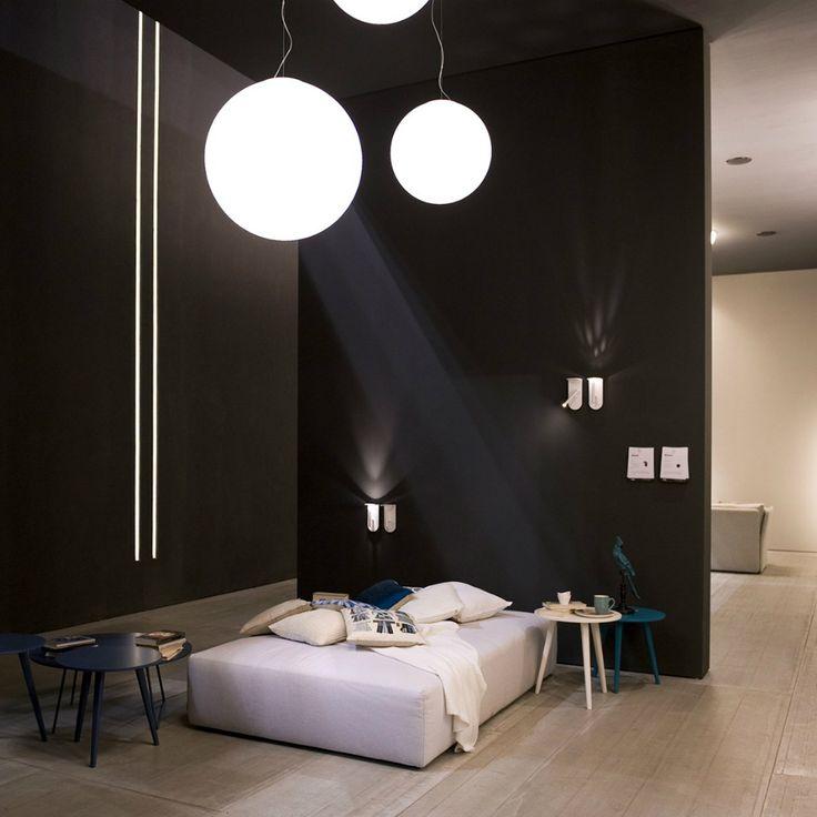 Tutte le lampade LineaLight e LIneaLight Ma&De regalano grandi emozioni per le forme, la sorgente a basso consumo e il design.