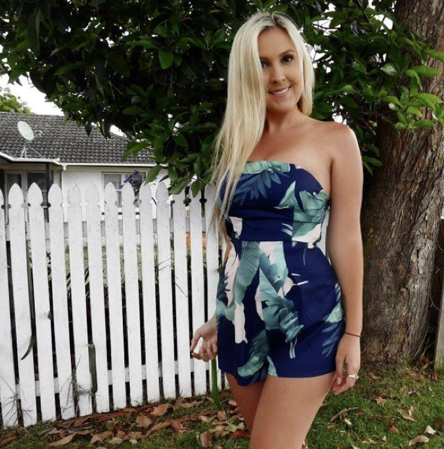 """790 Likes, 5 Comments - Australian Online Store (@stellyclothing) on Instagram: """"Such a babe! @alexmoulden in our 'Daphne' playsuit (navy palm) 🌴🌴Shop her look now (in other…"""""""