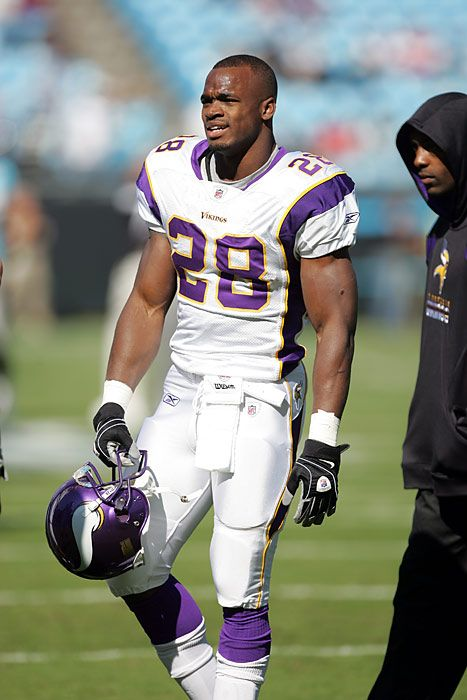 Adrian Peterson from sportsillustrated.com.
