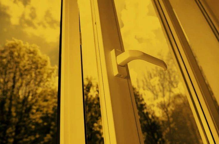 Análisis y comparativa entre las ventanas de PVC frente aluminio o madera. Qué ventana es mejor para la carpintería de casa. Tipos, ventajas y desventajas