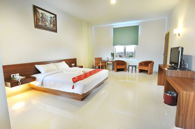 Discovery Express Paramita Hotel Pekanbaru. Located in the heart of Pekanbaru, local attraction 10 minutes to Masjid Annuar, 5 minutes to Mall Pekanbaru, 5 minutes to Senapelan Plaza, 15 minutes to Pasar Ramayana, 20 minutes to Pasar Wisata (Pasar Bawah), 30 minutes to Airport. Great hotel for budget traveler and for business trip. http://www.zocko.com/z/JIvqD