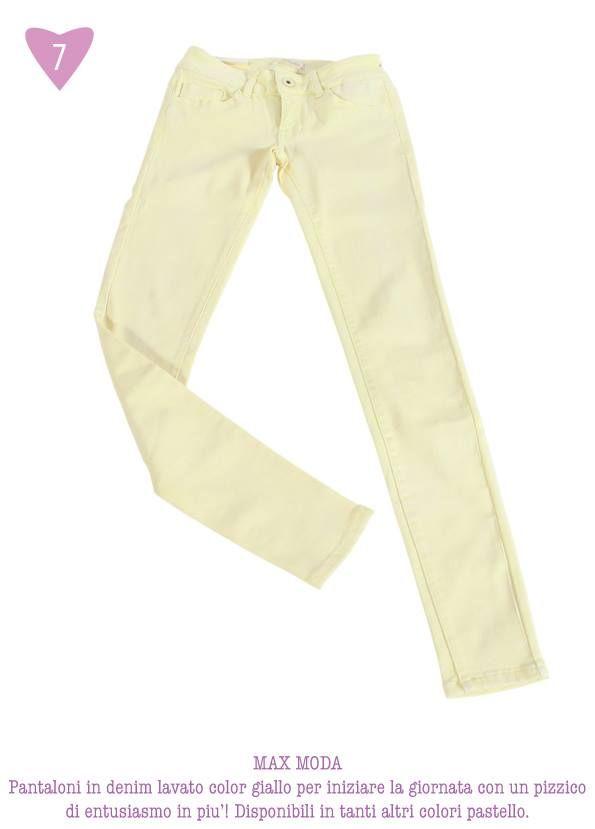 MAX MODA - Pantaloni in denim lavato color giallo per iniziare la giornata con un pizzico di entusiasmo in più! Disponibili in tanti altri colori pastello.