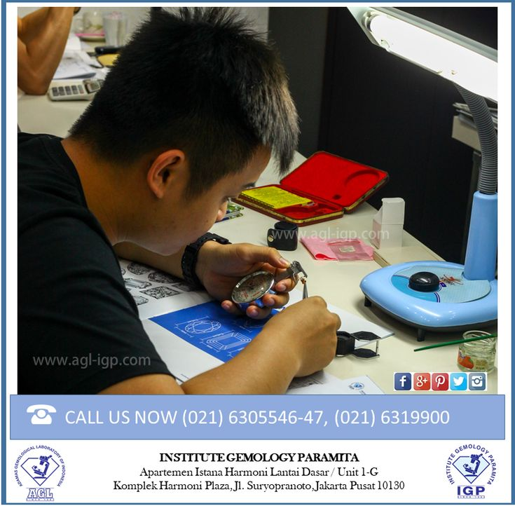 Our Teaching method consist of 80% practical and 20% of theory. This method enables our students to have direct practice with samples. Our teaching method is adjusted to international standar. The courses at IGP are designed for students to acquire dept knowledge and practical skills about Diamonds and other precious Gemstones.