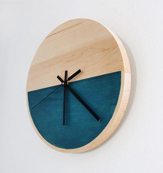 DIY Color Block Clock   11 DIY Clock Ideas For Your Bedroom