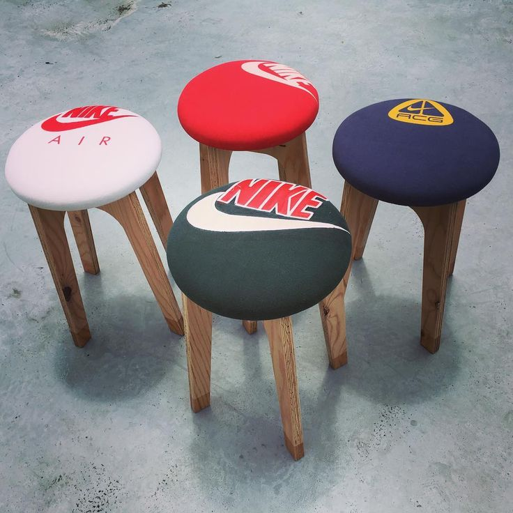 【REMAKE STOOL by WOOD WORK】  USEDのTシャツを使用したリメイクのスツールです◡̈⃝☻ ポップな家具はいかがでしょう◡̈⃝☻ #remake #remade #vintage #used #shirt #stool #teeshirt #recycle #secondlab #goods #gear #interior #faniture  #home #decor #living #products #lifestyle #goods #homeware #design #madeinjapan