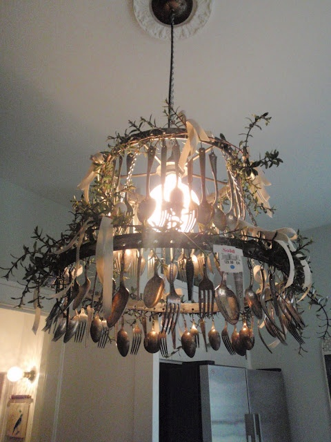17 best images about teacup chandelier on pinterest for Spoon chandelier diy