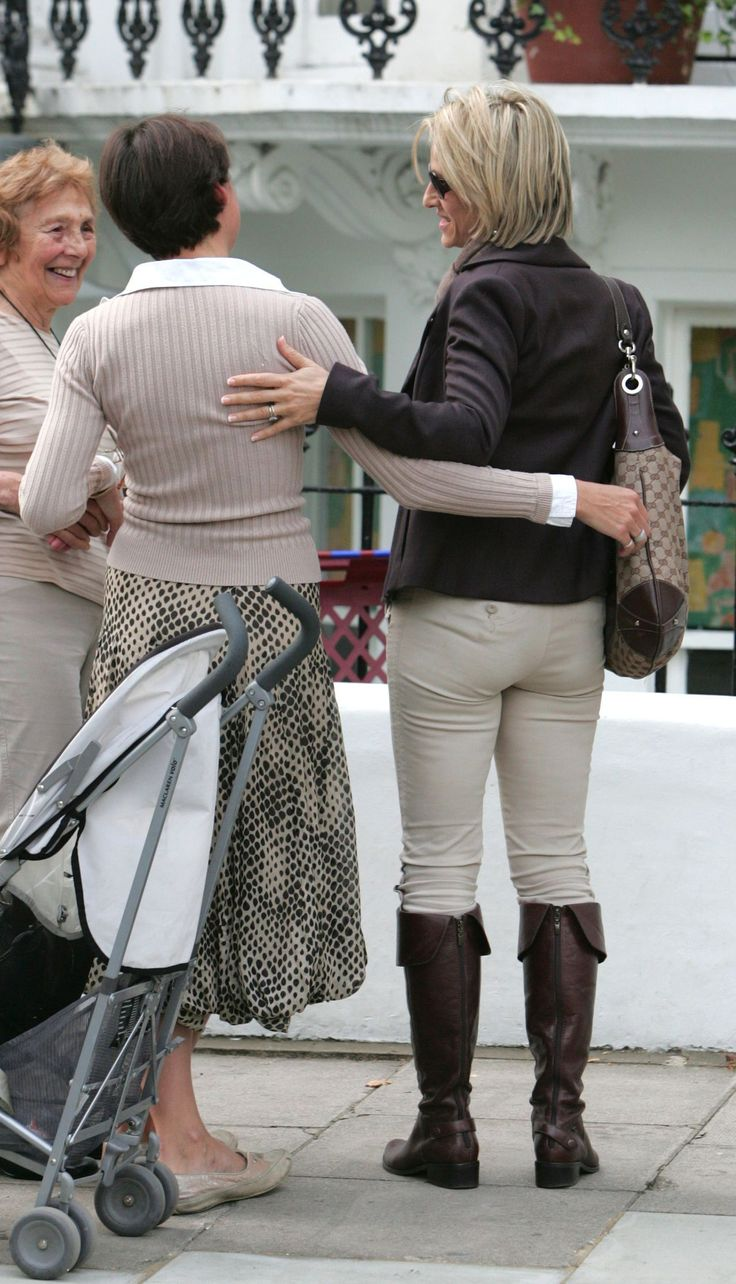 emily maitlis boots and toned bum W131094065077345 4