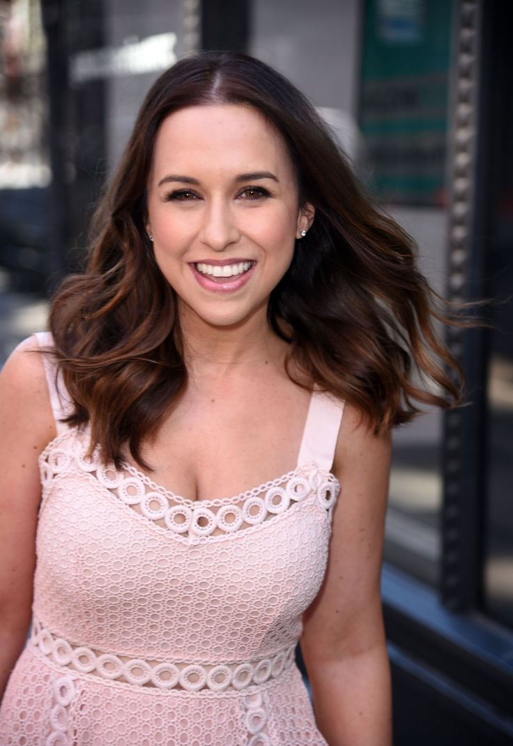 Lacey Chabert #LaceyChabert Cute Style At the AOL Build Speaker Series in NYC 29/03/2017 Celebstills Lacey Chabert