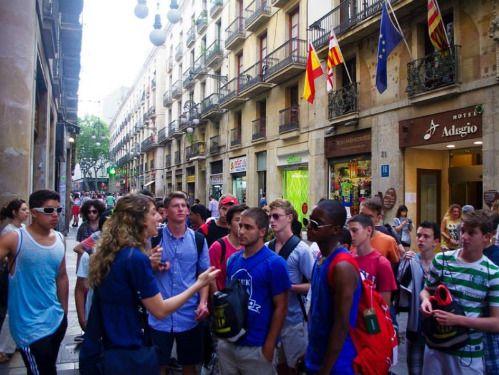 Campus FC Barcelona 2016 en la Masía, con entrenamientos impartidos por técnicos oficiales del Fútbol Club Barcelona en la Ciudad Deportiva Joan Gamper y alojamiento en la residencia de Sarriá https://www.campamentos.info/Campamentos-de-verano/Espana/Cataluna/Campus-de-Futbol-del-FC-Barcelona-en-la-Masia-648
