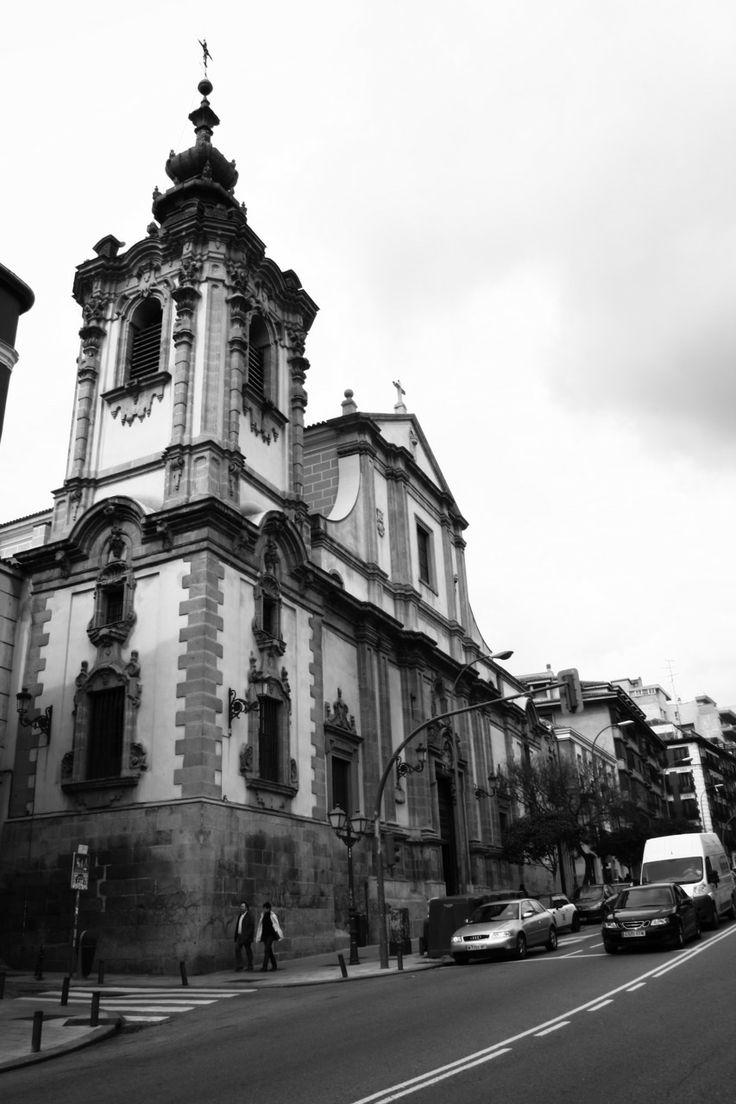Iglesia de Nuestra Señora de Montserrat, Madrid by Héctor Gómez Herrero